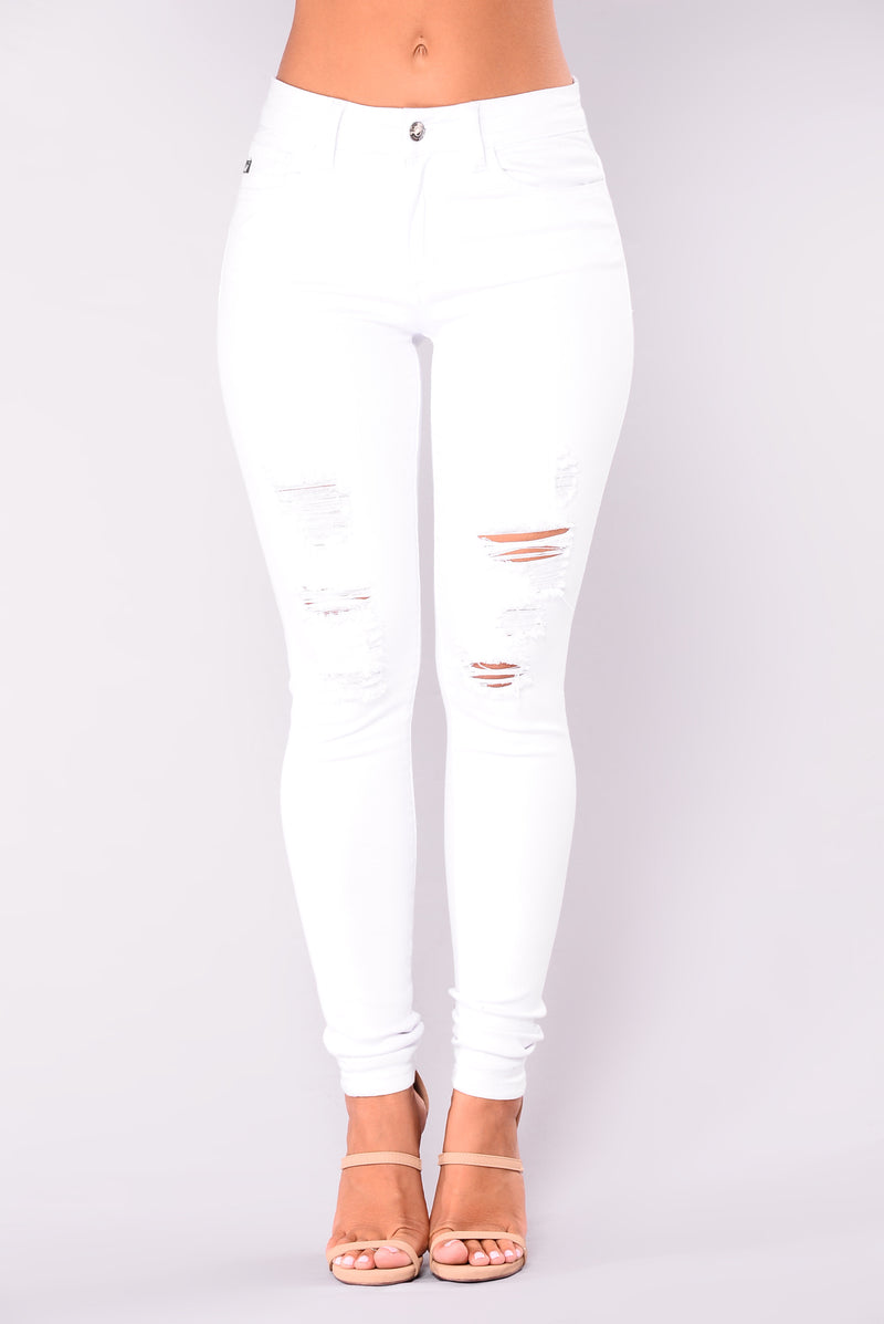 Chelsea Mid Rise Distressed Jeans - White