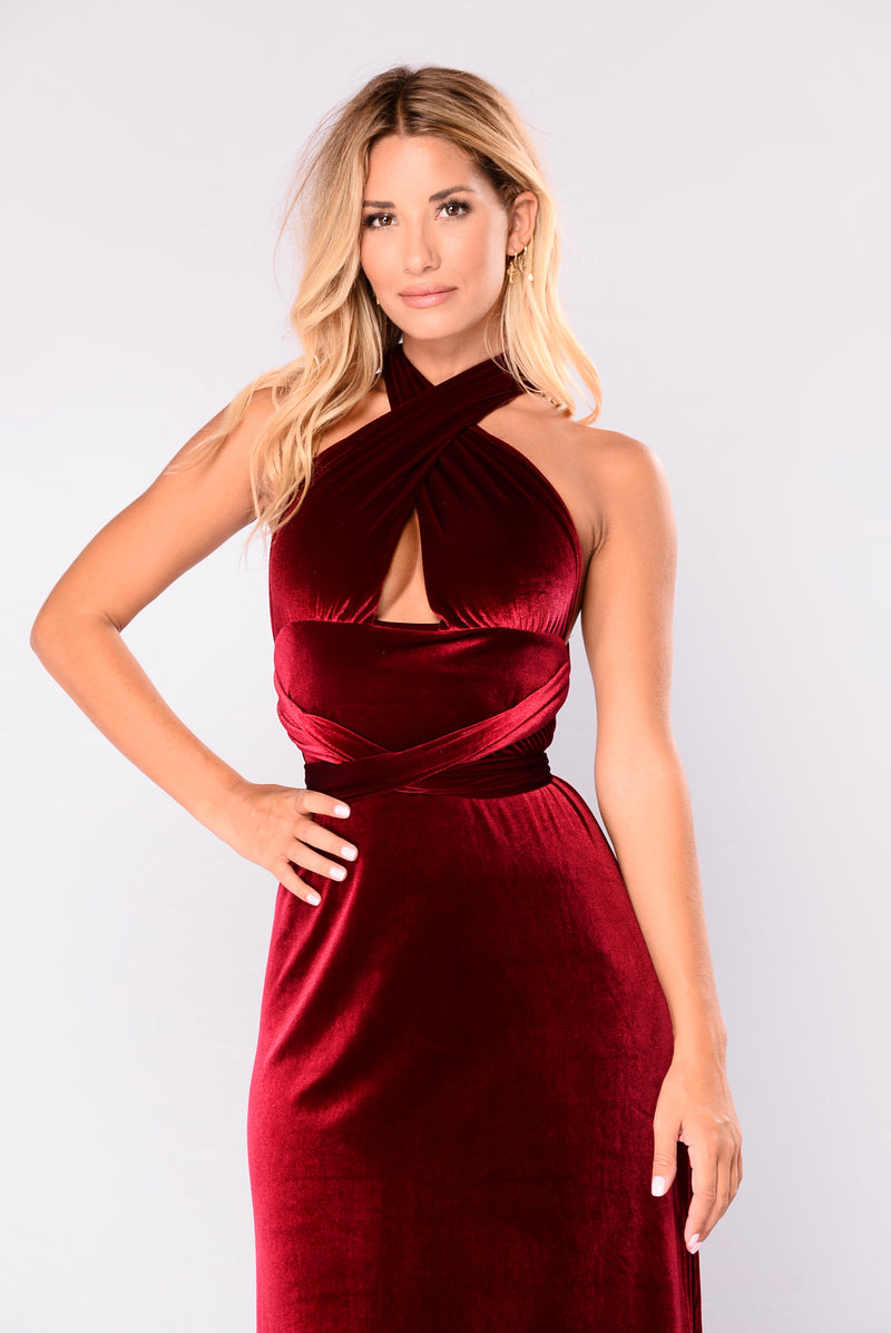 Look My Way Velvet Dress - Burgundy