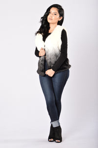 Snow Day Fur Vest - Ivory/Black