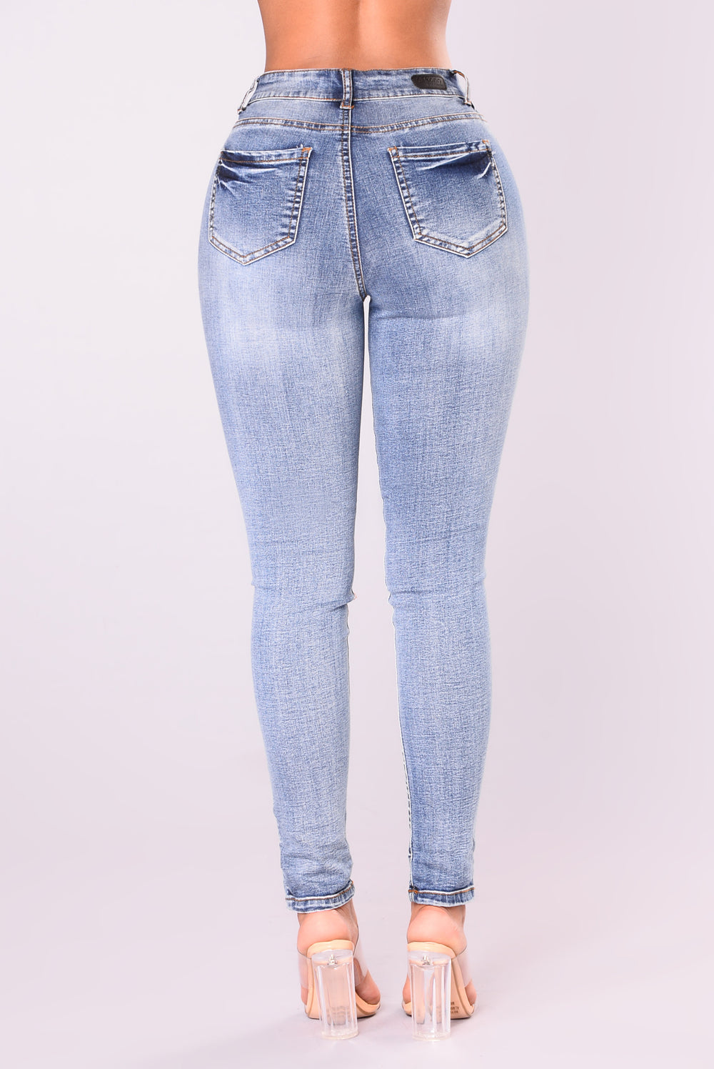 On The Lookout High Rise Jeans - Medium Blue