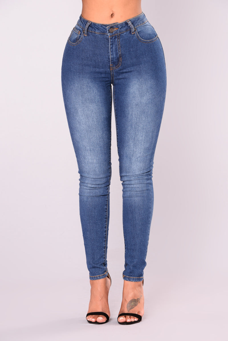 Madeline Booty Sculpting Jeans - Medium Wash