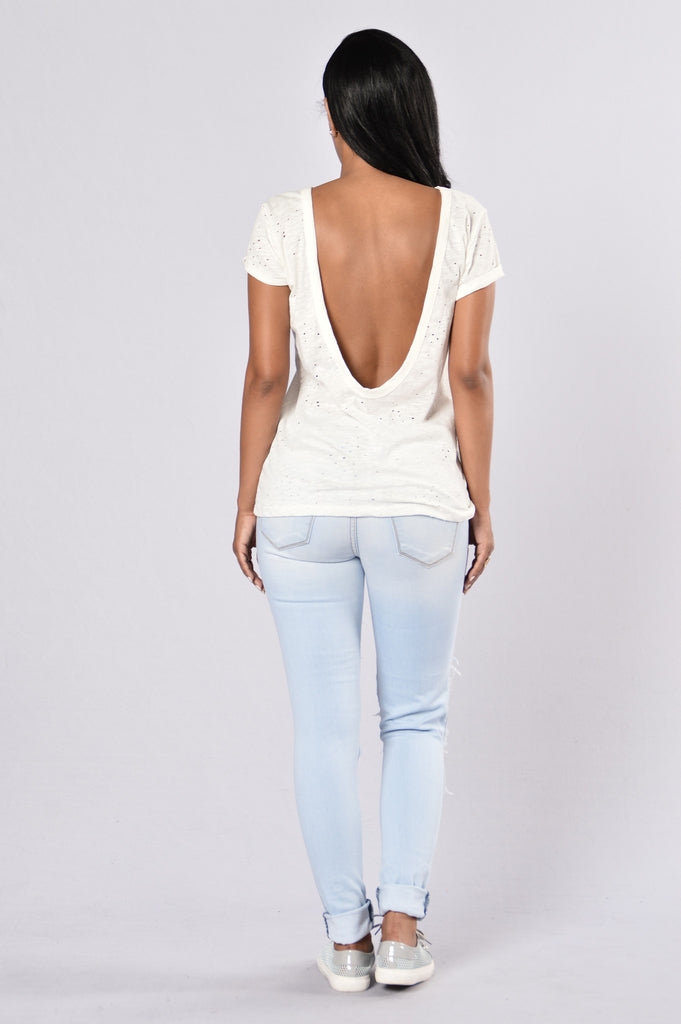 Pucker Up Tee - Ivory