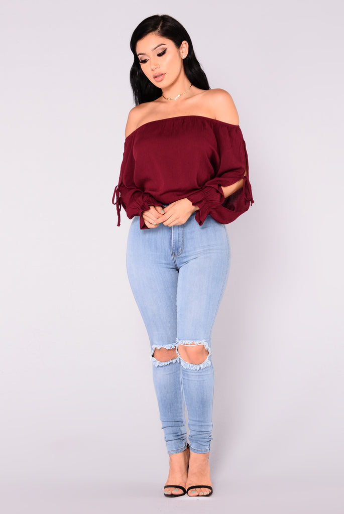 Arielle Off Shoulder Top - Burgundy