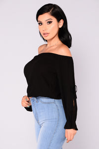 Arielle Off Shoulder Top - Black