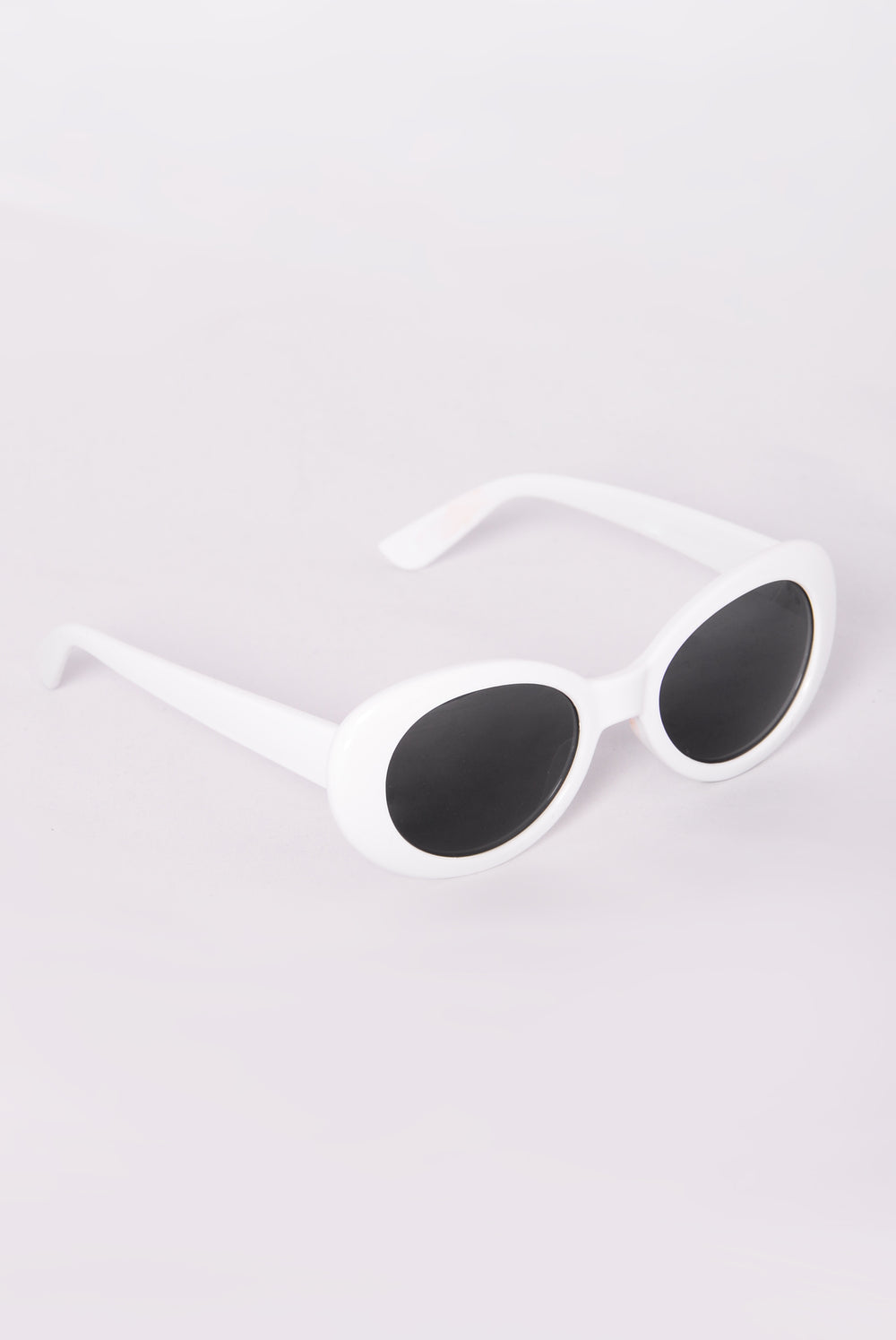 Posh Sunglasses - White/Smoke