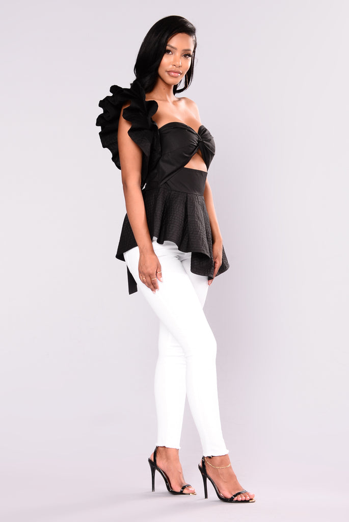 Call On Me Peplum Top - Black