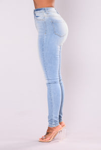 Little Lady High Rise Jeans - Light