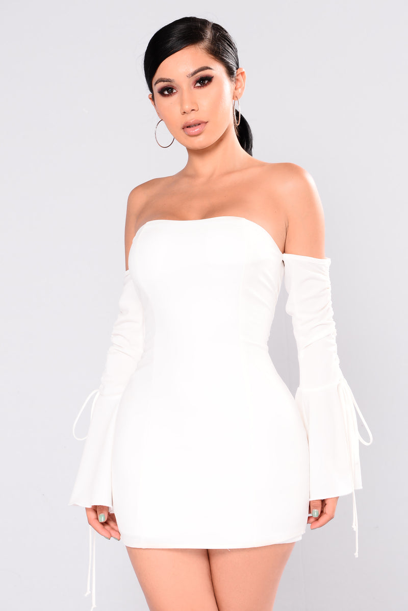 Kannes Off Shoulder Dress - Ivory