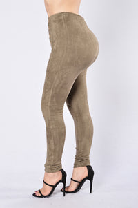 Bow Down Pants - Olive