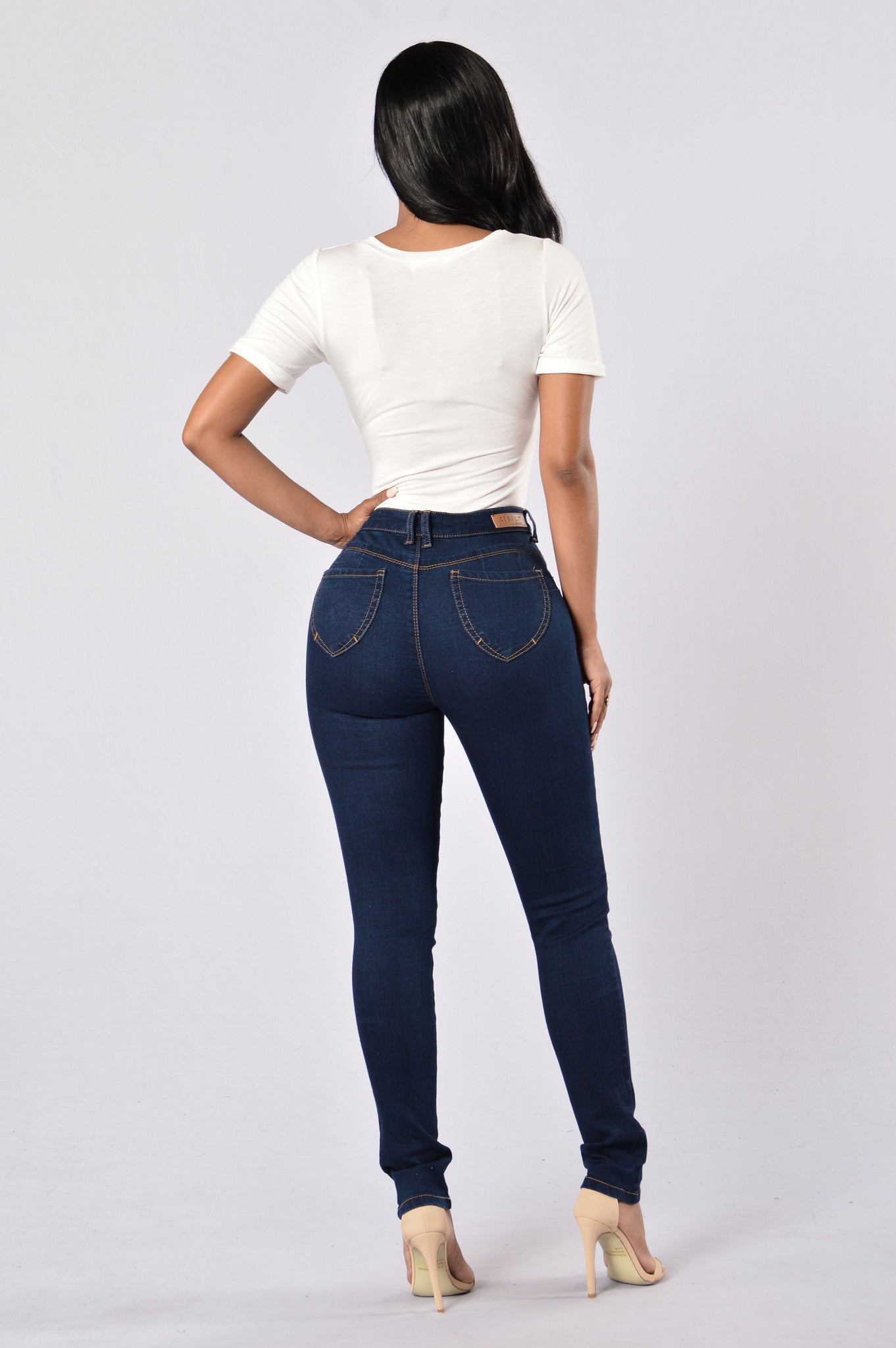 Fashion nova jeans size 1