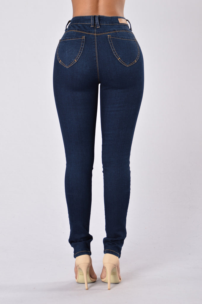 Booty Booty Booty Everywhere Shaping Denim - Medium Blue