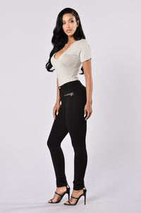 Comfortably Dreamin Ponte Pants - Black
