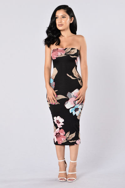 Piece Of Art Dress - Black