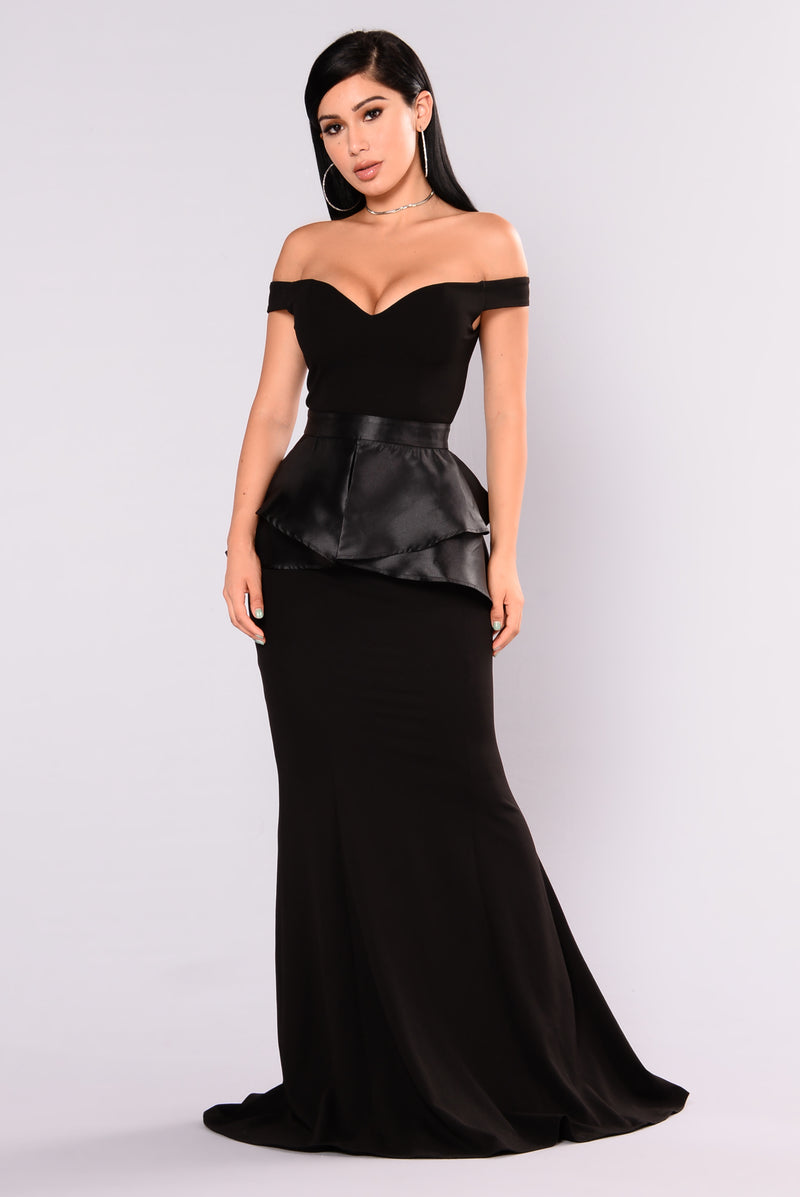 beauty queen maxi dress black