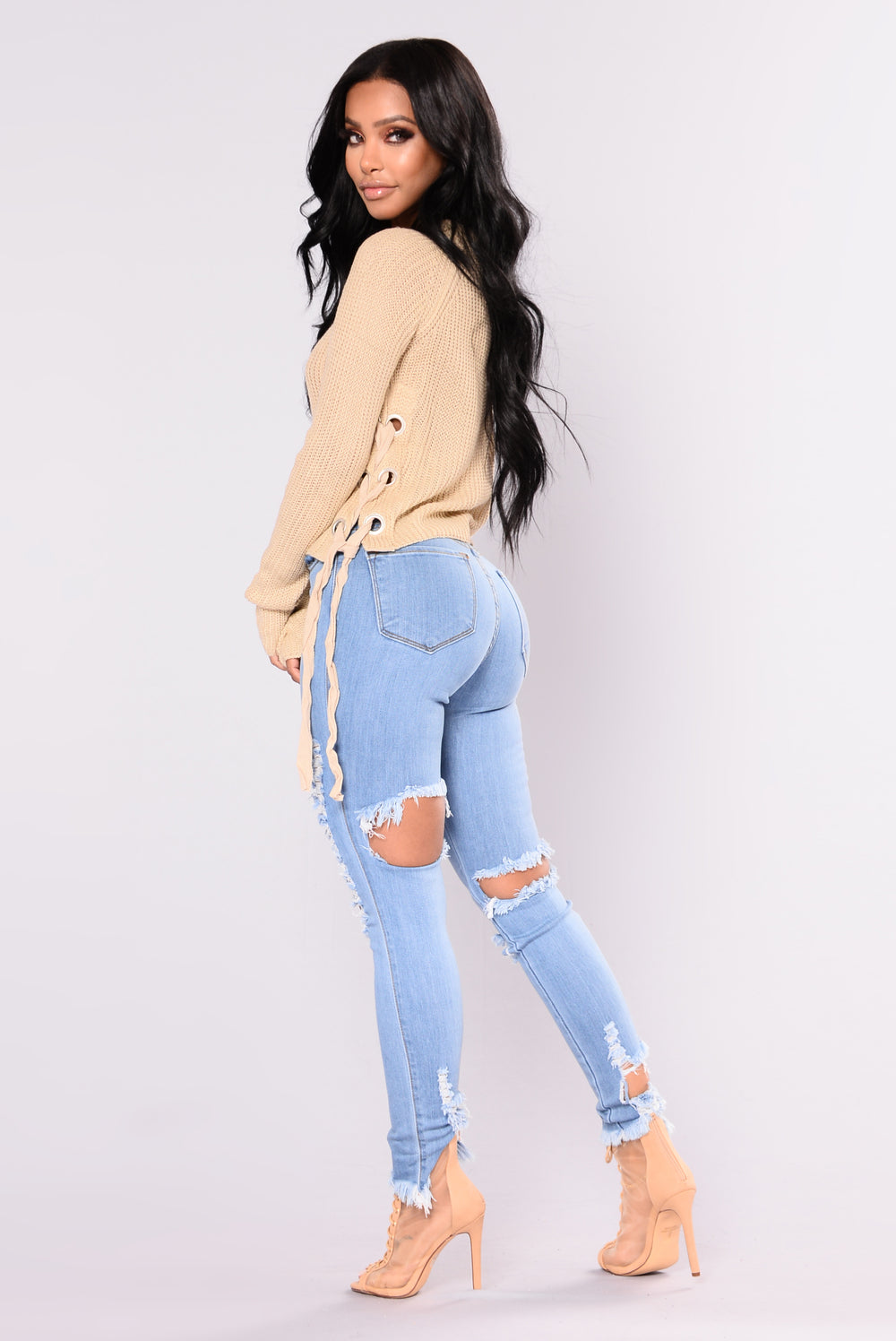 Under A Lot Of Distress Jeans - Medium Blue