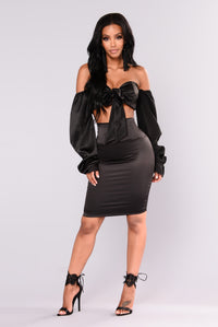 Kiona Satin Top - Black