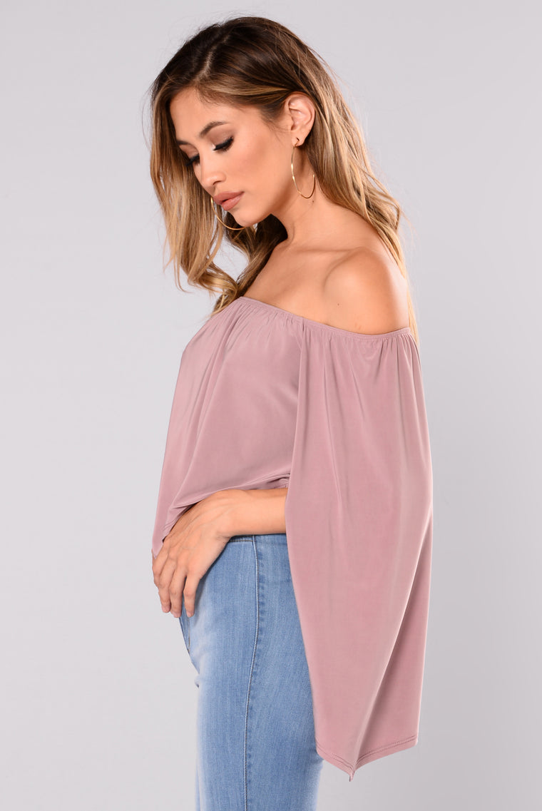 Trixie Off Shoulder Top - Mauve