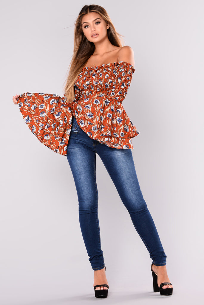 Labella II Off Shoulder Top - Rust/Floral
