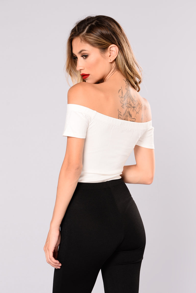 See Me There Off Shoulder Top - White