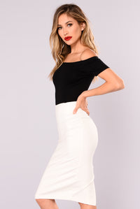 See Me There Off Shoulder Top - Black