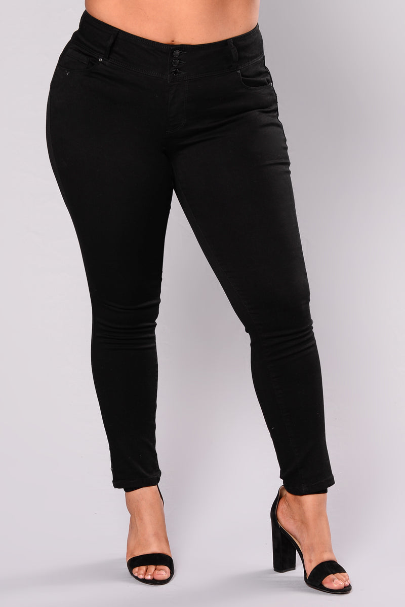 With Ease Booty Shaping Jeans - Black