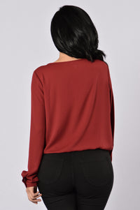 In The Details Top - Burgundy