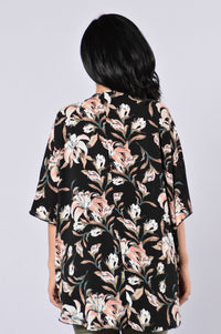 Wrapped In Flowers Kimono - Black Multi Angle 2