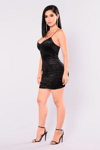 Martha Velvet Dress - Black Angle 4