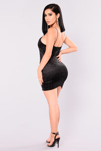 Martha Velvet Dress - Black Angle 5