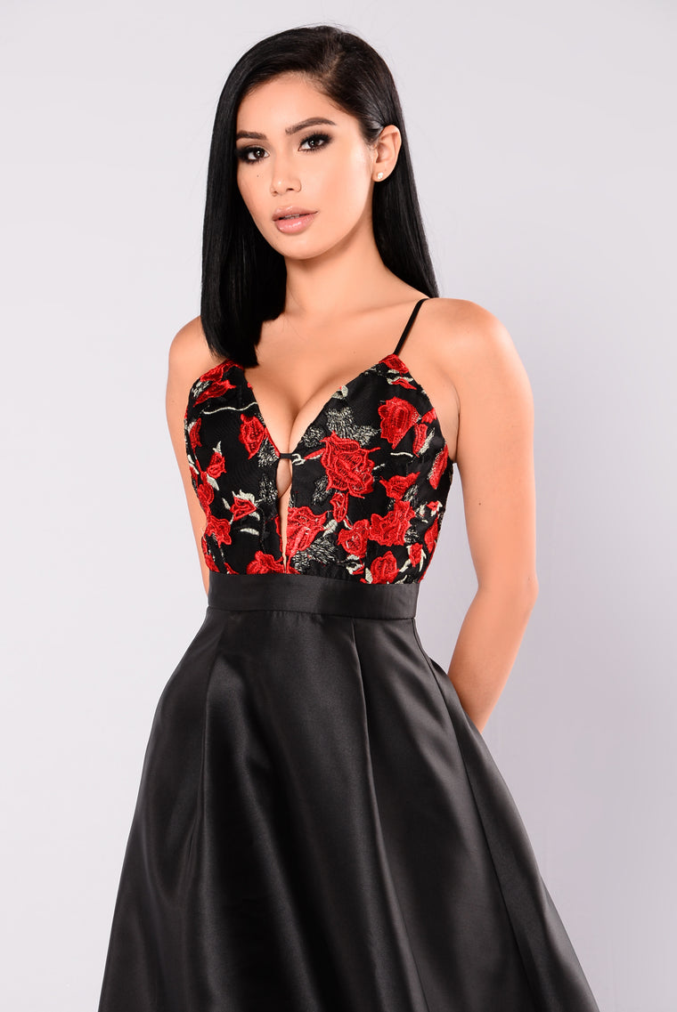 Fatal Attraction Maxi Dress - Black/Red