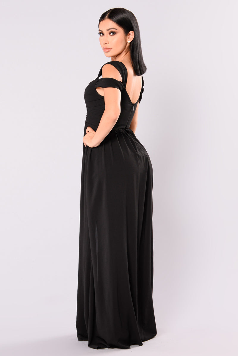 Maxi dresses sophistication maxi dress black ombrellifo Images