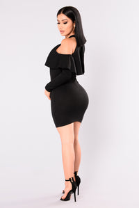 Catarina Flounce Dress - Black