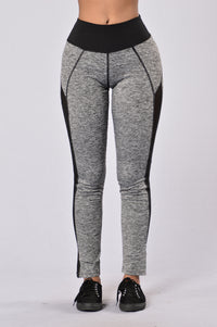 Go For A Run Pants - Black Angle 1