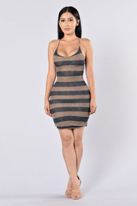 Radio Silence Dress - Taupe/Hunter Green