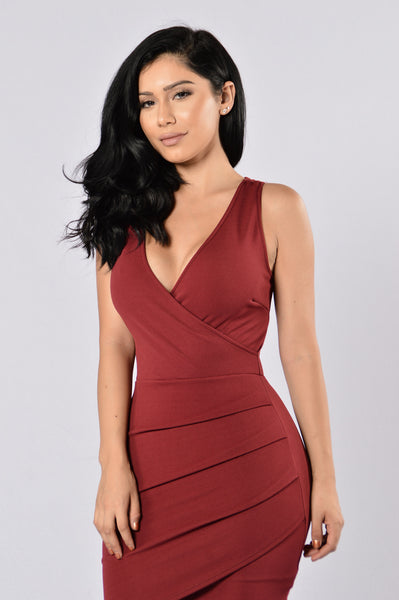 Sway with Me Dress - Burgundy