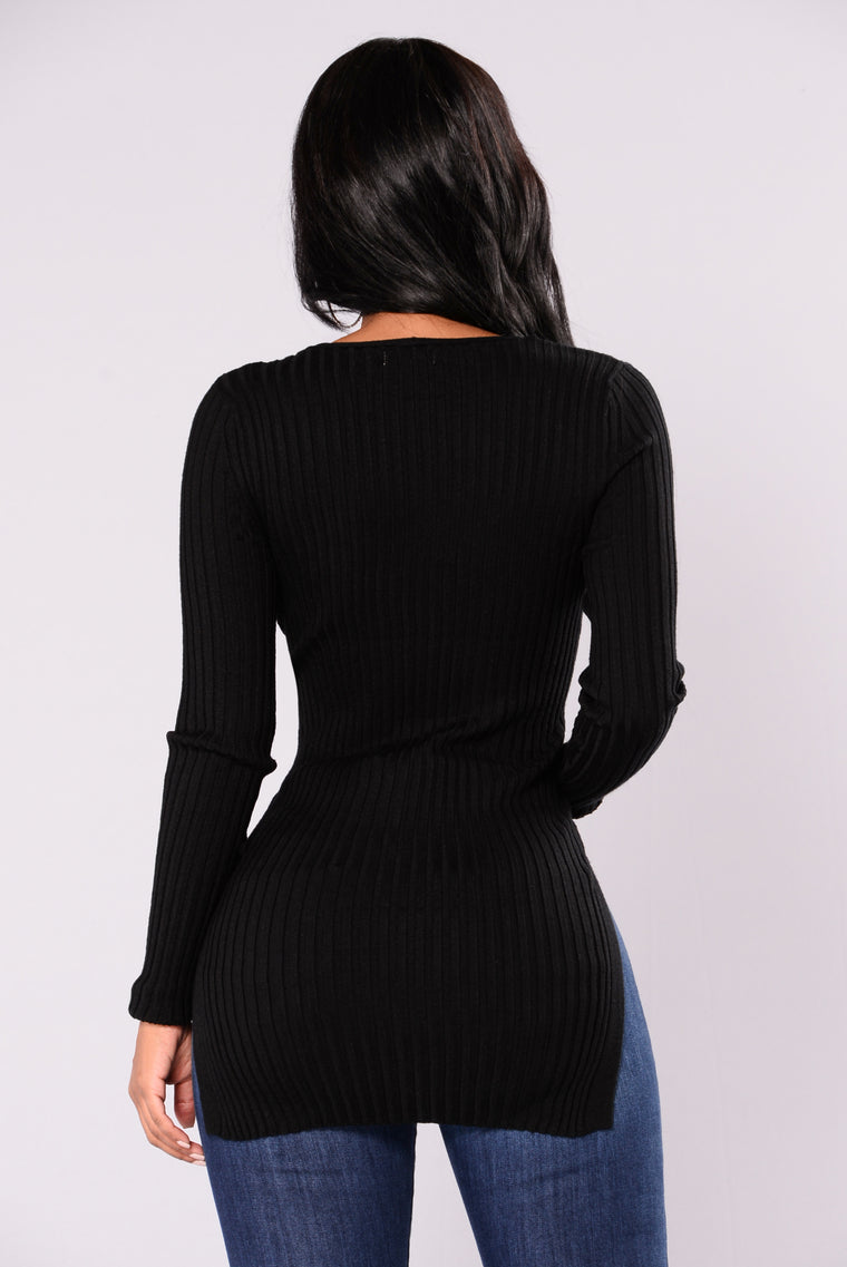 Giving Me The Feels Sweater - Black