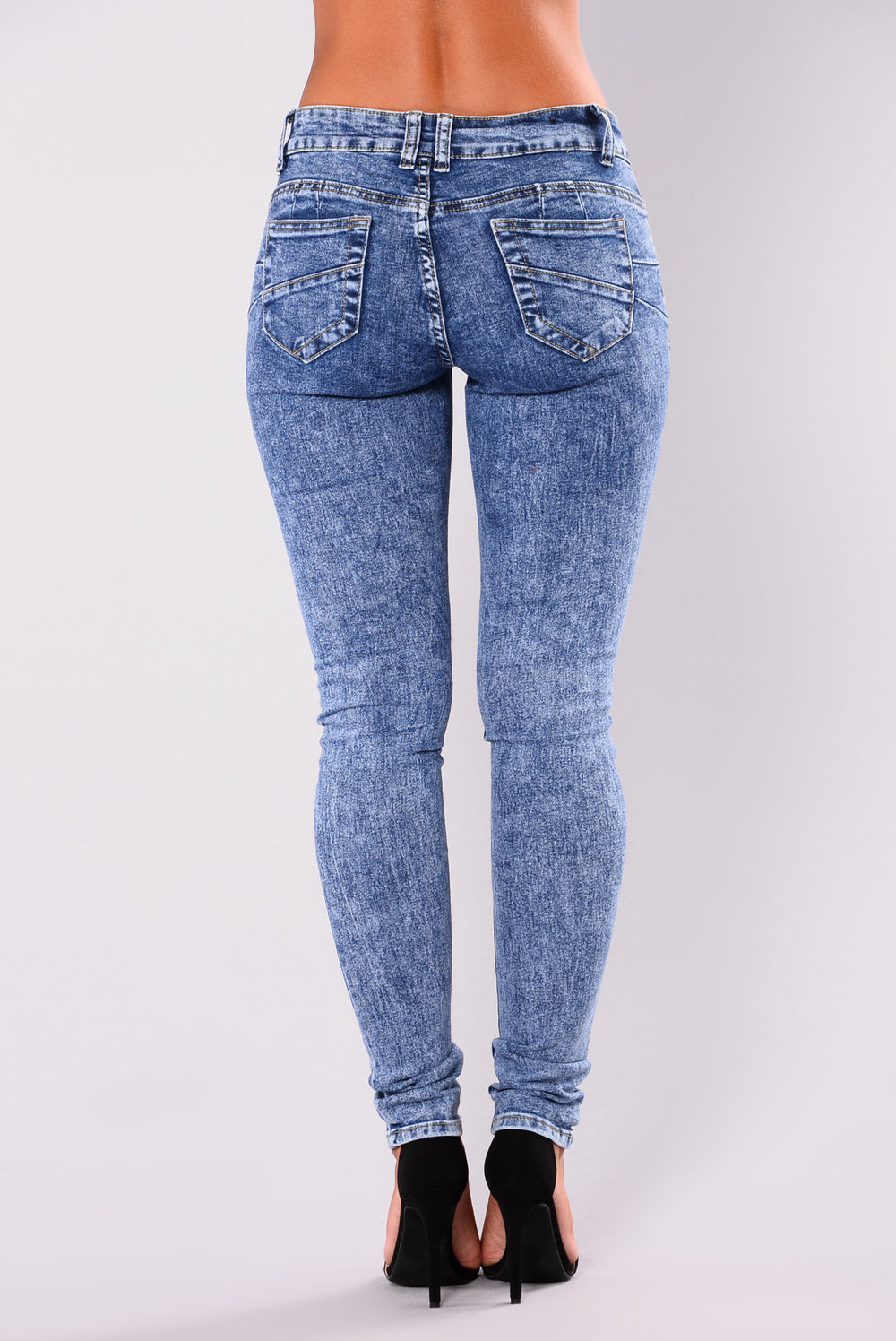 Who Booty Is It Booty Sculpting Jeans - Acid Wash