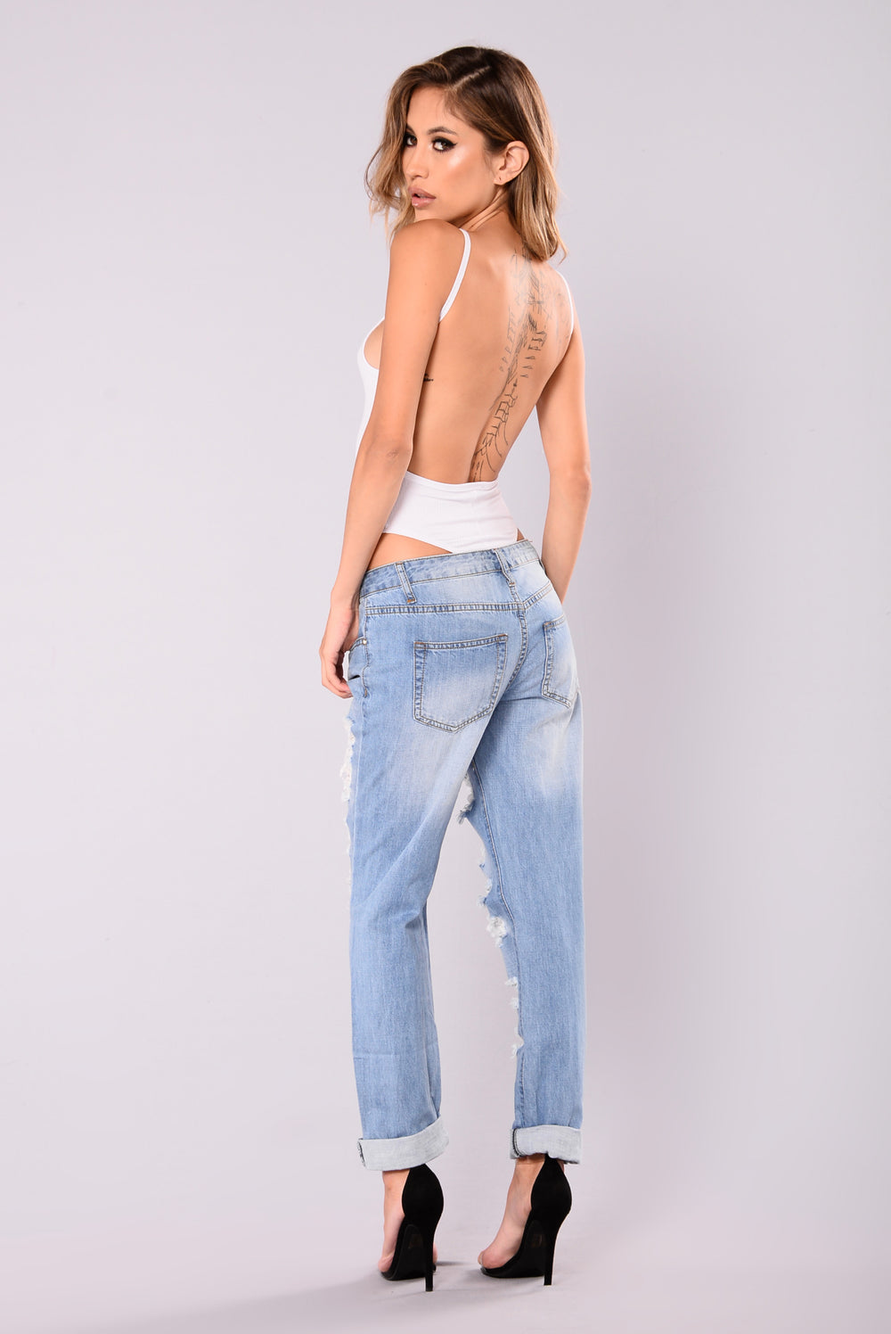 Unforgettable High Waisted Distressed Jeans - Light