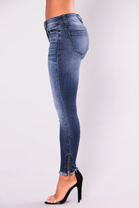 Mia Ankle Zip Skinny Jeans - Medium