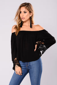 Hillary Off Shoulder Top - Black
