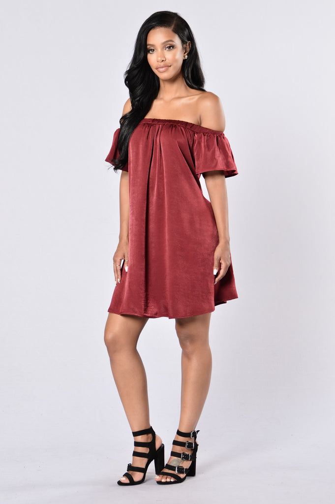 Only In Dreams Dress - Burgundy