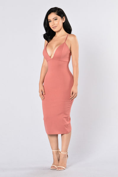 Peek Show Dress - Mauve
