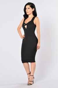 Love Triangle Dress - Black Angle 6