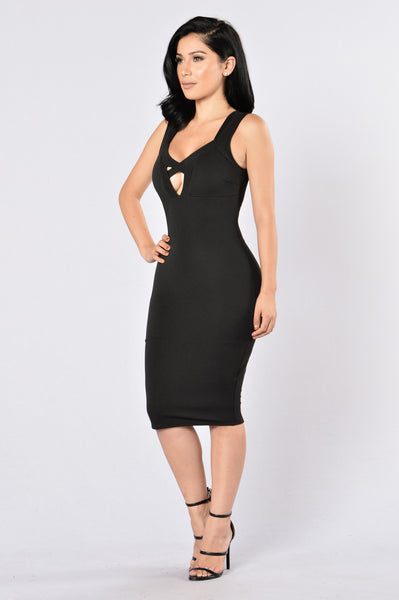 Love Triangle Dress - Black