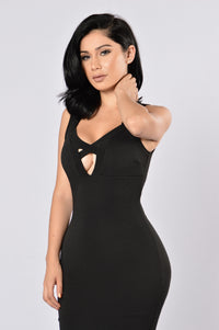 Love Triangle Dress - Black Angle 2