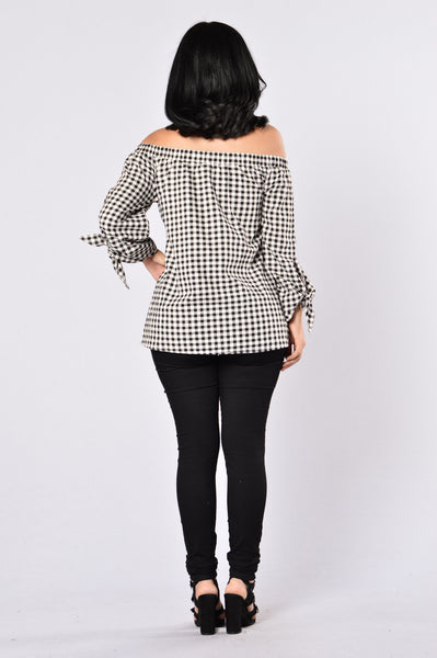 Country Pay Top - Black