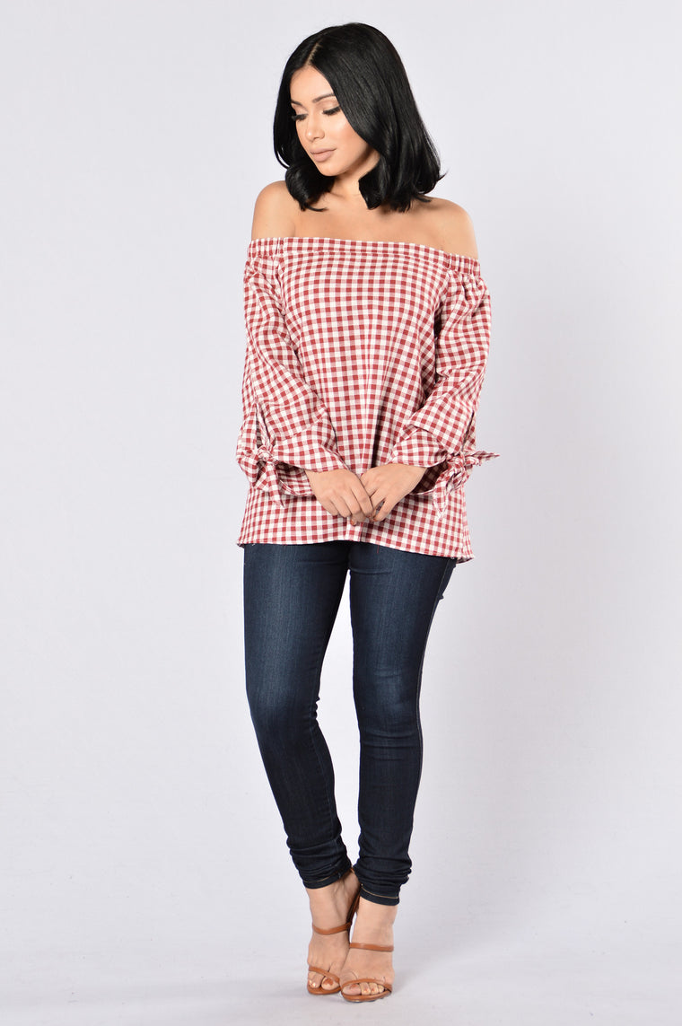 Country Pay Top - Burgundy