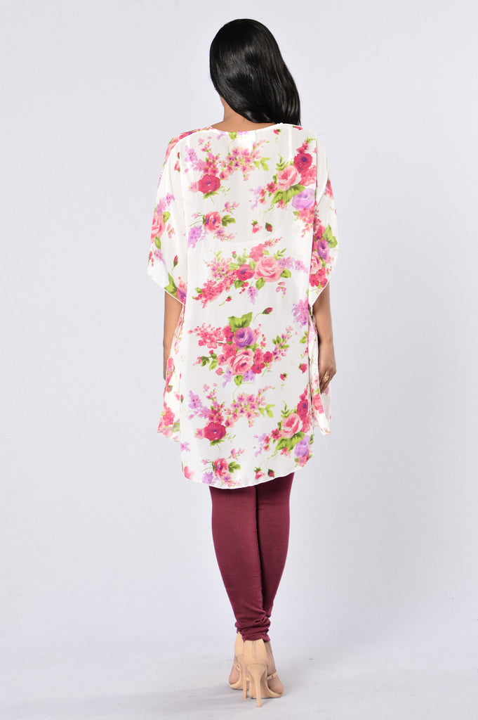 Nothing But Flowers Kimono - White/Pink
