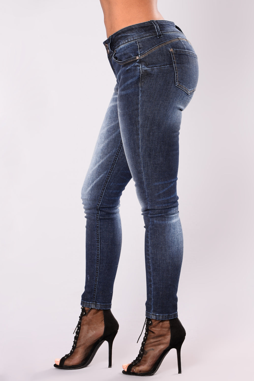 Good Habits Booty Lifting Jeans - Dark
