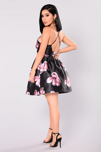 Sunday Kisses Dress - Black
